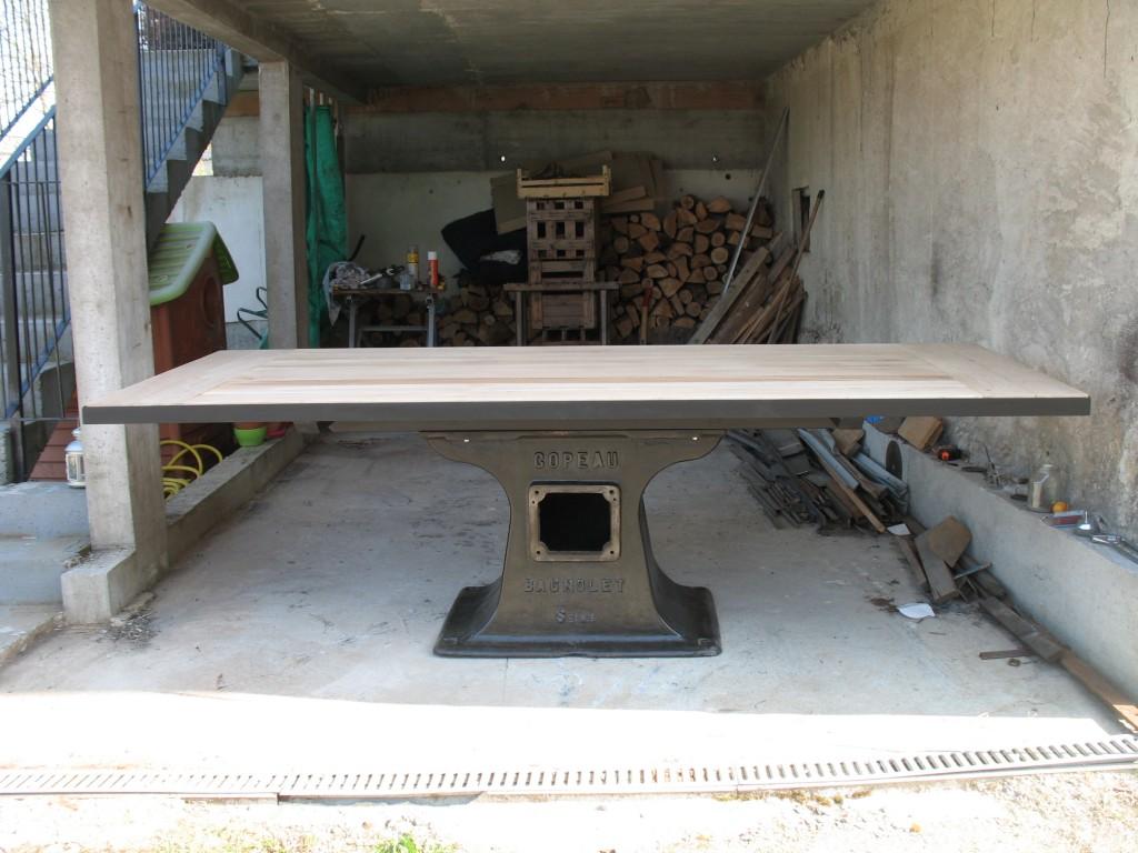 Table industrielle l 39 atelier des charmettes - Pied de table en fonte occasion ...