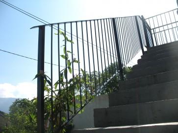 garde-corps escalier contre-plongée.jpg