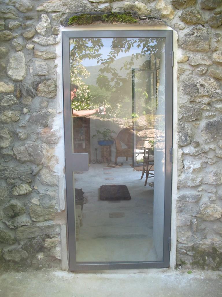 Baie vitr e et sa petite porte l 39 atelier des charmettes - Porte d atelier vitree ...